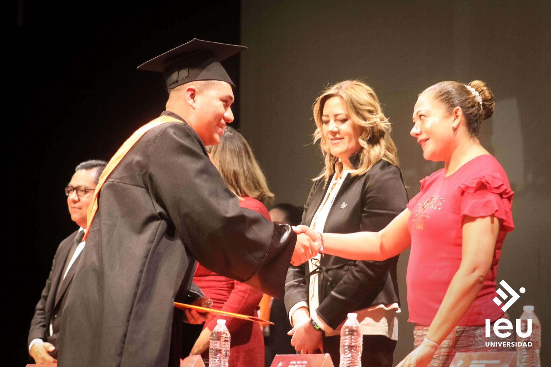 Universidad Ieu Graduacion 2019 10