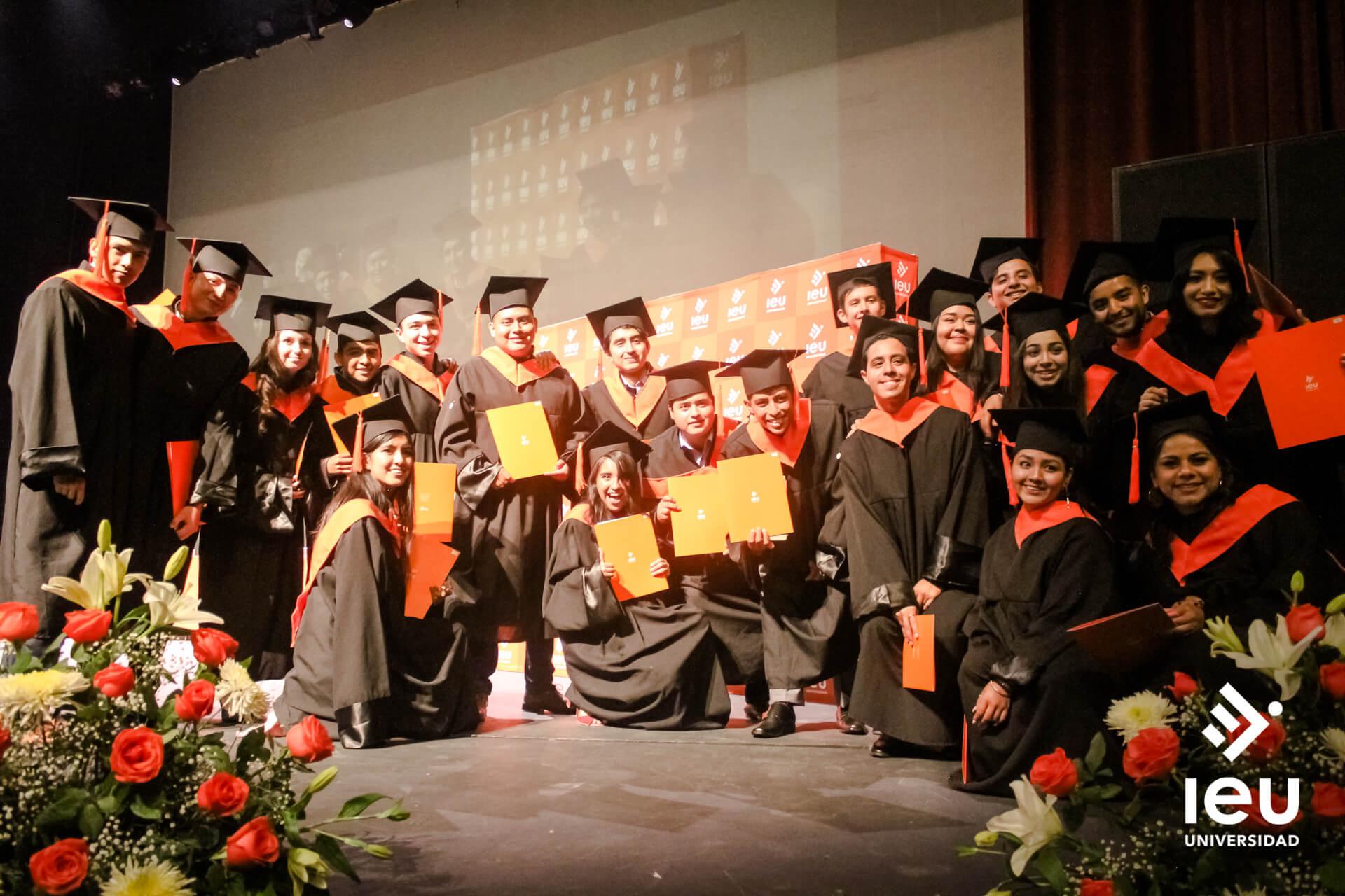 Universidad Ieu Graduacion 2019 12