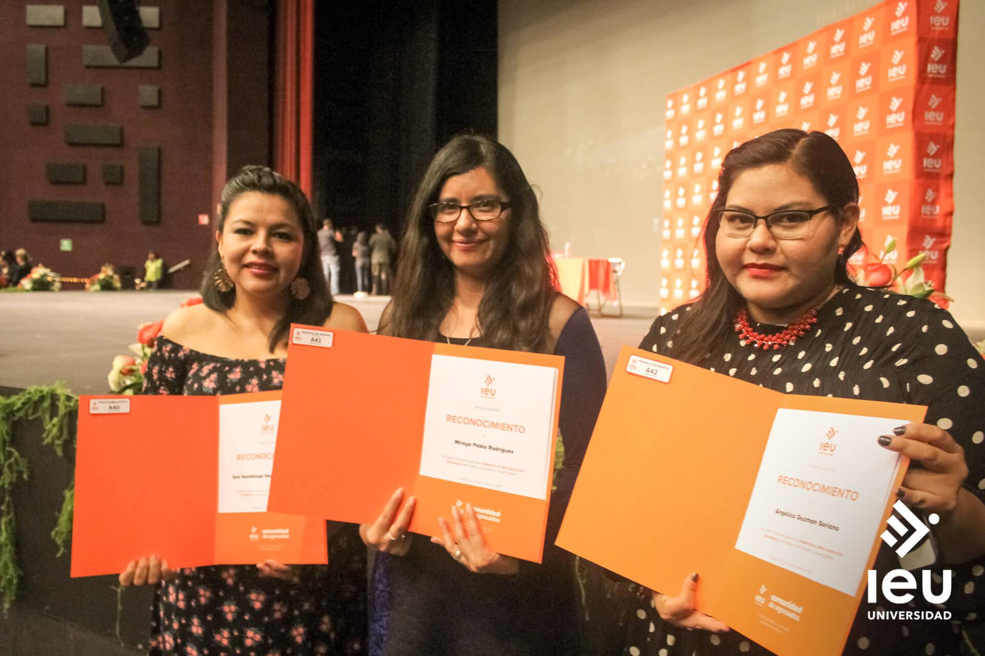 Universidad Ieu Graduacion 2019 16