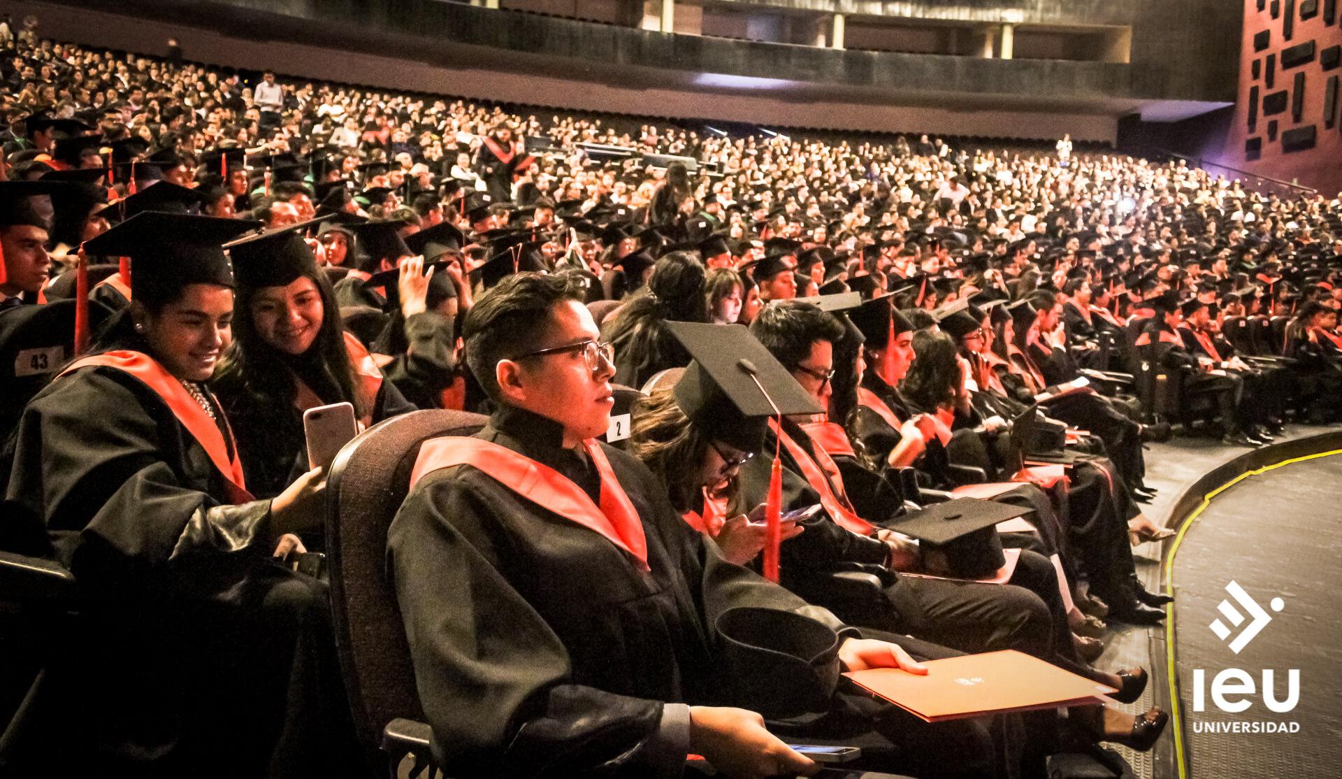 Universidad Ieu Graduacion 2019 7