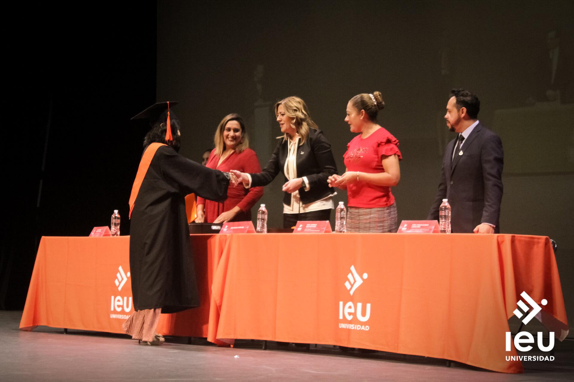 Universidad Ieu Graduacion 2019 8