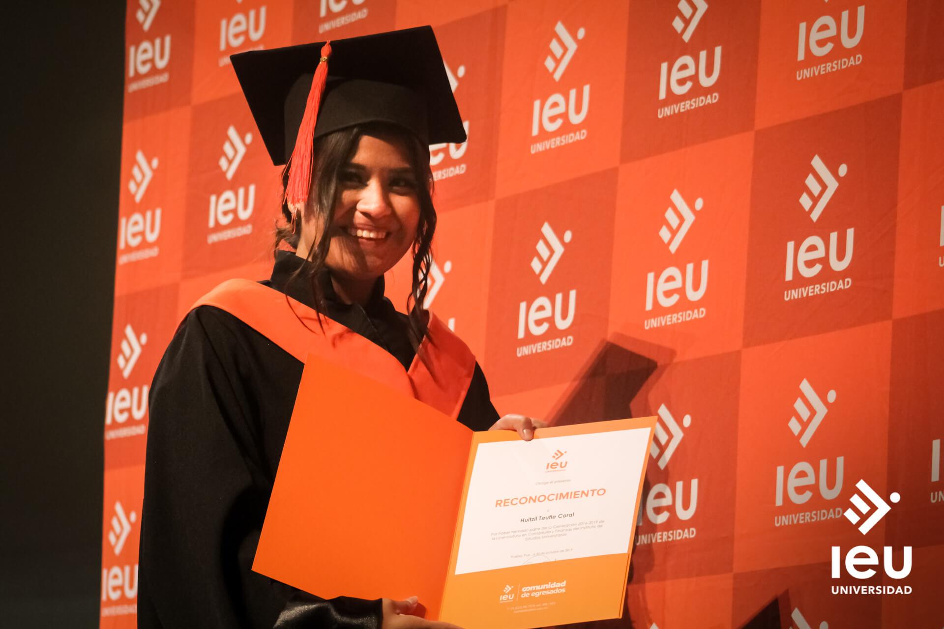 Universidad Ieu Graduacion 2019 9